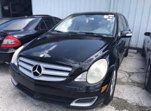 Mercedes R350, 2006. for parts only for Sale in Clearwater, FL