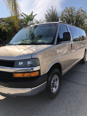 2005 chevy express 3500 for Sale in Colton, CA