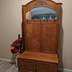 Entryway Bench With Mirror for Sale in Canby, OR