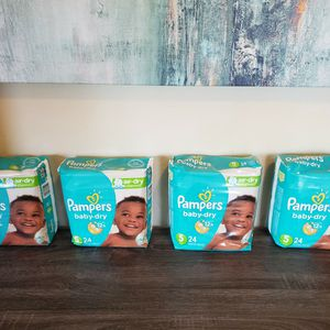 4 Packages Of Pampers Diapers Size 5 for Sale in Bonita, CA