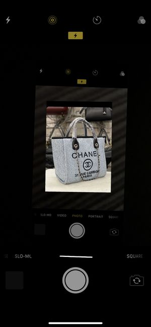 Handbags and wallet for Sale in Macomb, MI