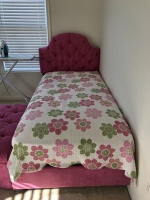 Girl room bed and decorations for Sale in Leesburg, VA