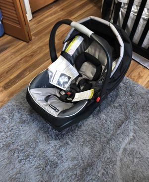 Graco Snugride 35 ClickConnect Infant Car seat/Carrier for Sale in Crescent Township, PA