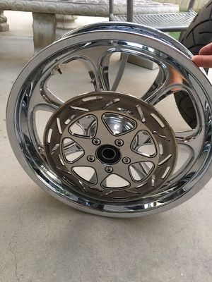 """18"""" motorcycle wheel for Sale in Madera, CA"""
