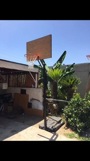 Lifetime basketball hoop / court it an portable hoop 12 feet to 7ft new net hydraulic adjustment $110 best price for Sale in Norwalk, CA