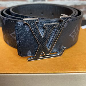 Louis Vuitton Initials Reversible Belt for Sale in West Hartford, CT