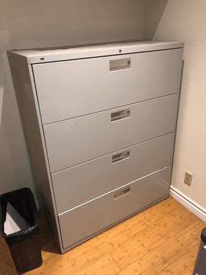 Nice filing cabinet! for Sale in Los Angeles, CA