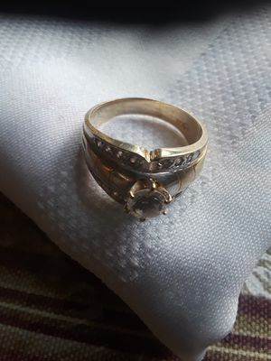 Ladies Gold ring for Sale in Salinas, CA