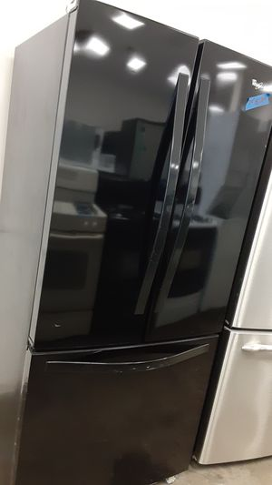 Black whirlpool French doors refrigerator for Sale in Bowie, MD