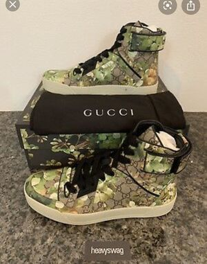 Gucci men's size 43 for Sale in Watertown, MA