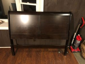 Head board and toe board bed frame for Sale in Hyattsville, MD