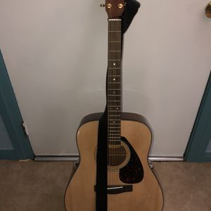 Yamaha F335 Acoustic Guitar for Sale in Downey, CA