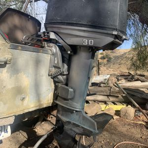 Mercury/Yamaha Mariner 30hp Outboard Motor And Controlls Runs Great. Won't Shift for Sale in Simi Valley, CA