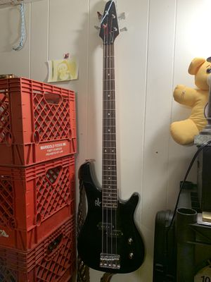 Rogue Bass guitar. Almost new for Sale in Knoxville, TN