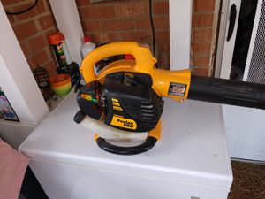 Poulan Pro BVM200VS 25CC Gas Leaf Blower for Sale in Kernersville, NC
