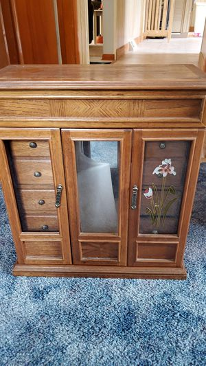 Jewelry box for Sale in Midlothian, IL