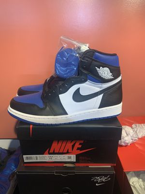 Jordan 1 royal size 10 TRADING FOR 10.5 only not selling only willing to trade for Sale in Walton Hills, OH