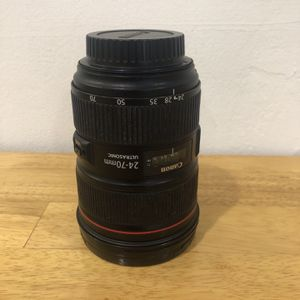 LENS CANON 24-70 2.8 L USM Version II for Sale in Miami, FL