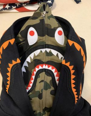 Undefeated x bape shark hoodie size M for Sale in Queens, NY