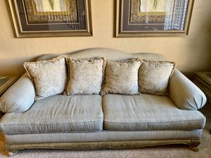 Neutral Tone Luxury Couch with Four Pillows for Sale in Chandler, AZ