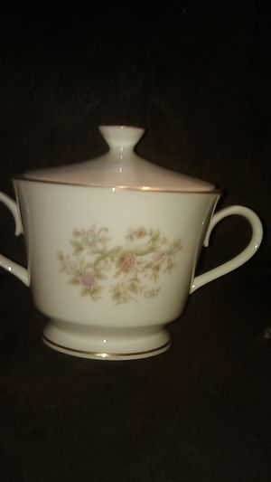 Antique fine China, Lenox three coffee cups and one sugar bowl for Sale in Vallejo, CA