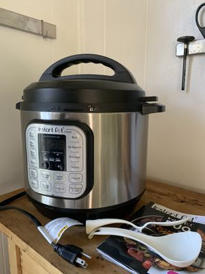 Instant Pot large for Sale in Los Angeles, CA