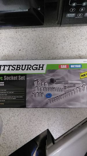 Tools Socket Set NEW Pittsburgh 40 pc 56 for Sale in Tacoma, WA
