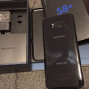 Samsung galaxy s8 plus- just like new with accessories + clean IMEI for Sale in Springfield, VA