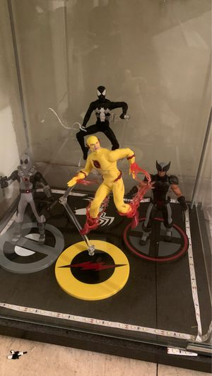 Mezco Action Figures. for Sale in Baltimore, MD
