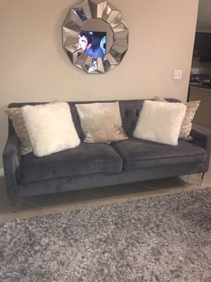 American Freight sofa set with Zgallerie pillows (real Mongolian fur pillows) for Sale in Miramar, FL