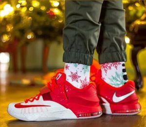 KD Egg Nog Christmas Style in time for Holidays - Kevin Durant Size 7Y for Sale in Rosemead, CA