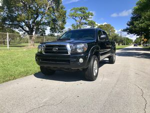 Toyota tacoma pre-runner 2008 long bed for Sale in North Miami Beach, FL