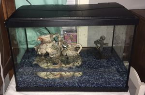 Fish Tank With 3 Fishes for Sale in Pasco, WA