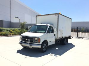 2001 Chevy express 3500 box truck for Sale in Garden Grove, CA