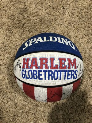 Harlem Globetrotters Autographed Basketball for Sale in Eau Claire, WI