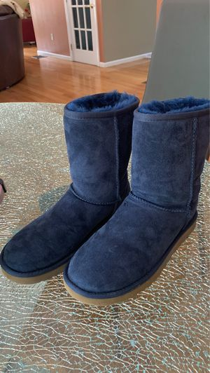 Navy blue women's uggs for Sale in Melrose, MA