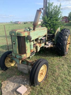1952 40 w poppin john deere tractor for Sale in North Richland Hills, TX
