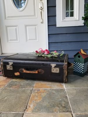 "Decorative old trunk 18""H x 30""W x 9""D for Sale in Tacoma, WA"