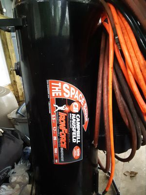 Campbell Hausfeld space saver Iron Force Series 26 gallon 150 psi air compressor for Sale in Lutz, FL