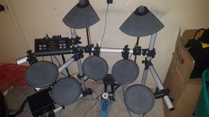 Yamaha dtx500 electronic drumset for Sale in Anchorage, AK