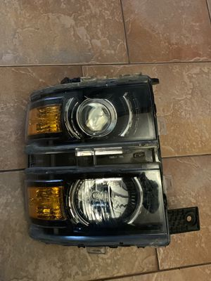 2014-2018 Silverado Ltz headlight for Sale in Hollywood, FL