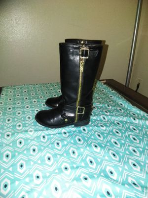Toddler girl Micheal kors boots 9c for Sale in Cincinnati, OH
