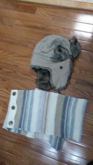 Winter hat and neck scraf 15 together for Sale in Washington, DC