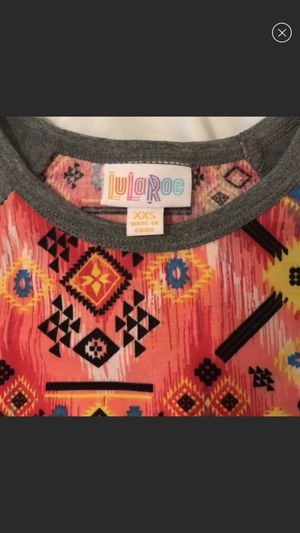 LulaRoe Randy Tee for Sale in Cleveland Heights, OH