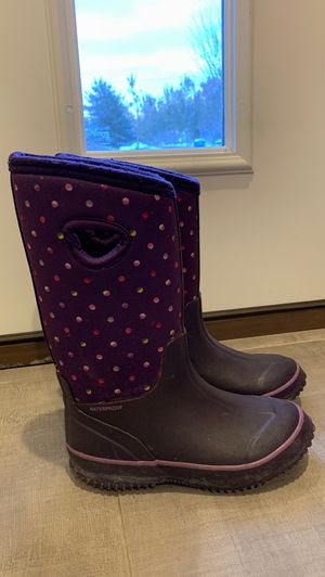 Girls snow boots size 13 for Sale in Highland Hills, OH