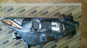 Mazda 3 Passenger Headlight Assembly for Sale in Ashland, MA
