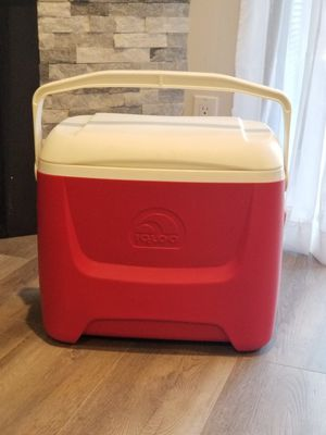 IGLOO ISLAND BREEZE COOLER for Sale in Lakewood, CA