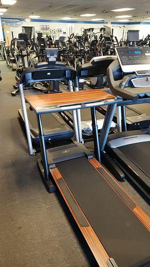 Nordictrack platinum treadmill desk for Sale in Glendale, AZ