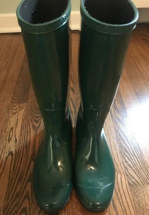 New rubber ugg rain boots green size 8 for Sale in Yonkers, NY