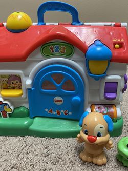 Fisher Price ABC & 123 MUSICAL SOUNDS SCHOOL HOUSE INTERACTIVE LEARNING for Sale in Shrewsbury,  NJ
